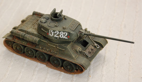 T34/85 by R Tas front right view